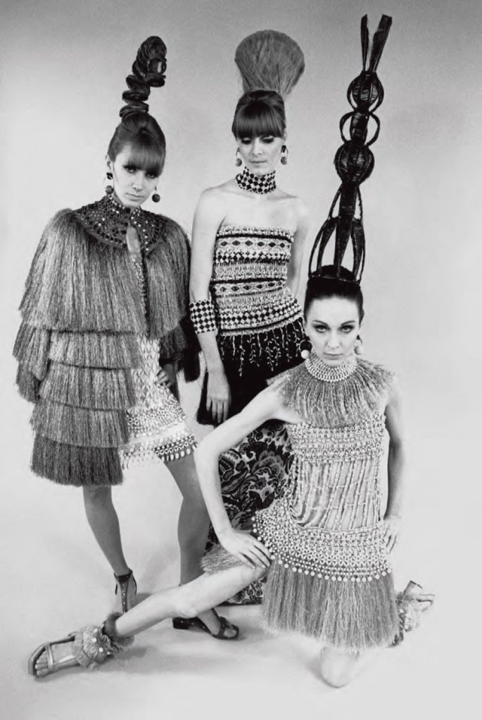 Primo scatto di Yves Saint Laurent, Bambara Collection, Spring Summer 1967