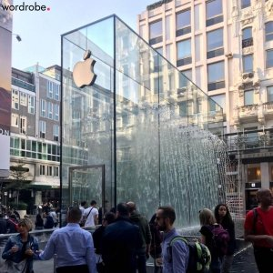 flagship apple milano